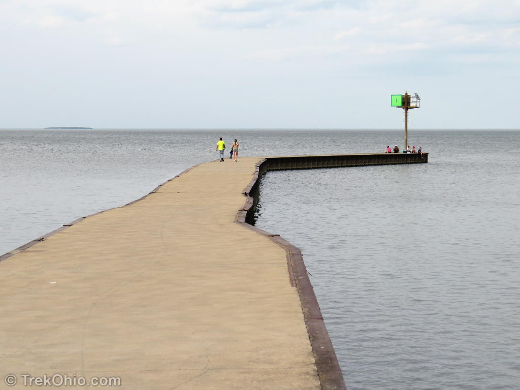 Metzger marsh state wildlife area trekohio for Lake erie pier fishing